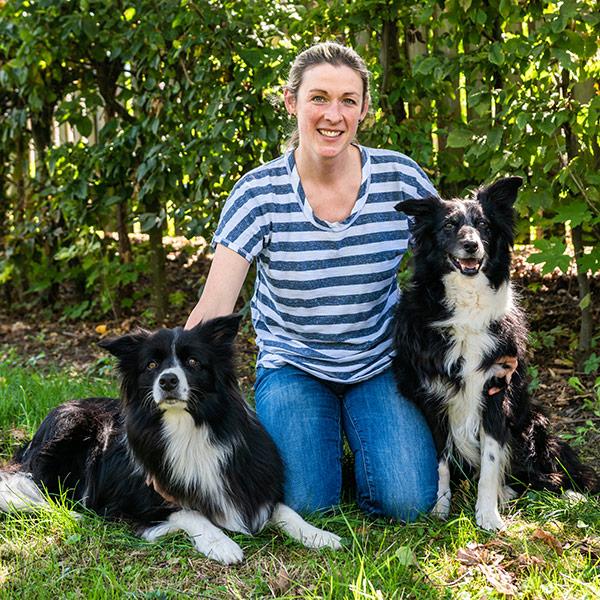 Ihre Therapeuten: Anne Aschenbrenner mit Therapiehunden